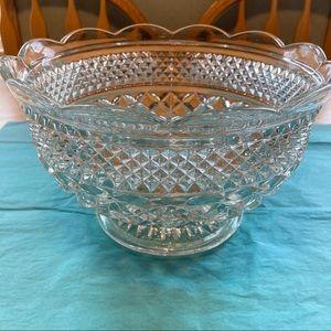Anchor Hocking - Wexford Fruit Serving Bowl